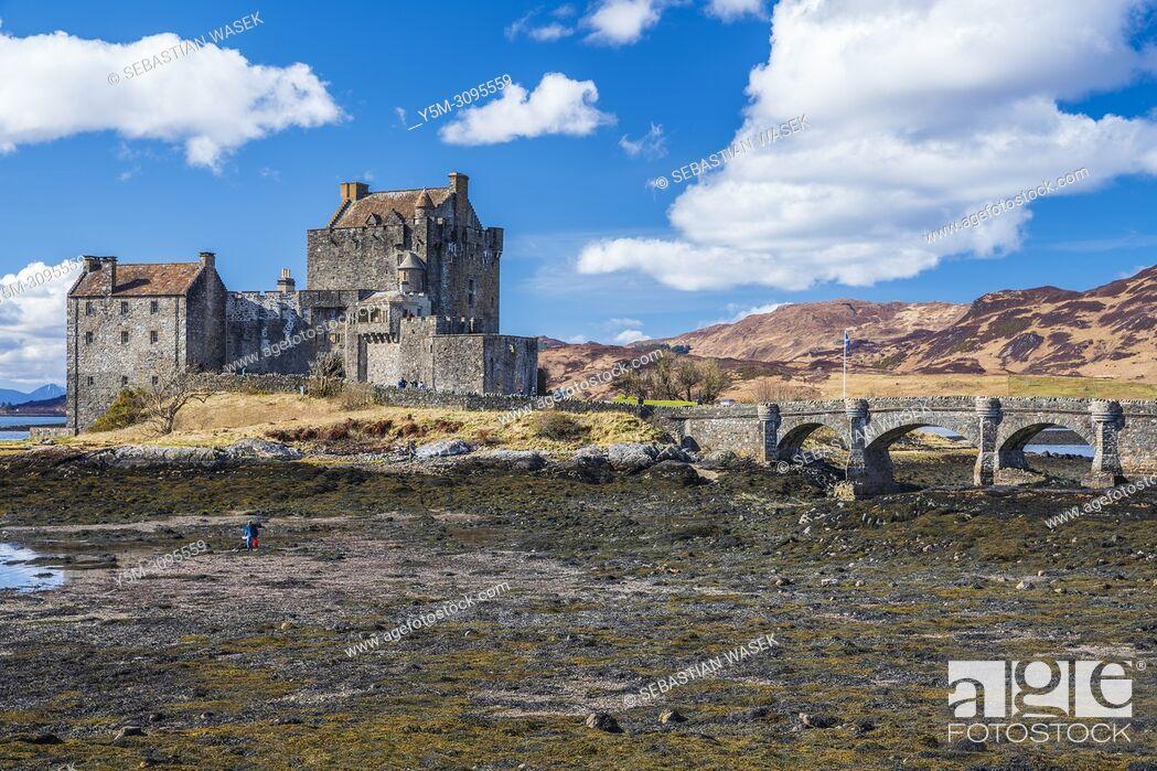 Stock Photo: Eilean Donan castle and Loch Duich, Dornie, Ross-shire, Highland, Scotland, United Kingdom, Europe.