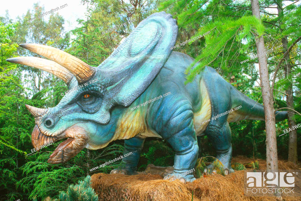 Photo de stock: Torosaurus, an herbivorous dinosaur of the Late Cretaceous period (70-100 million years ago).