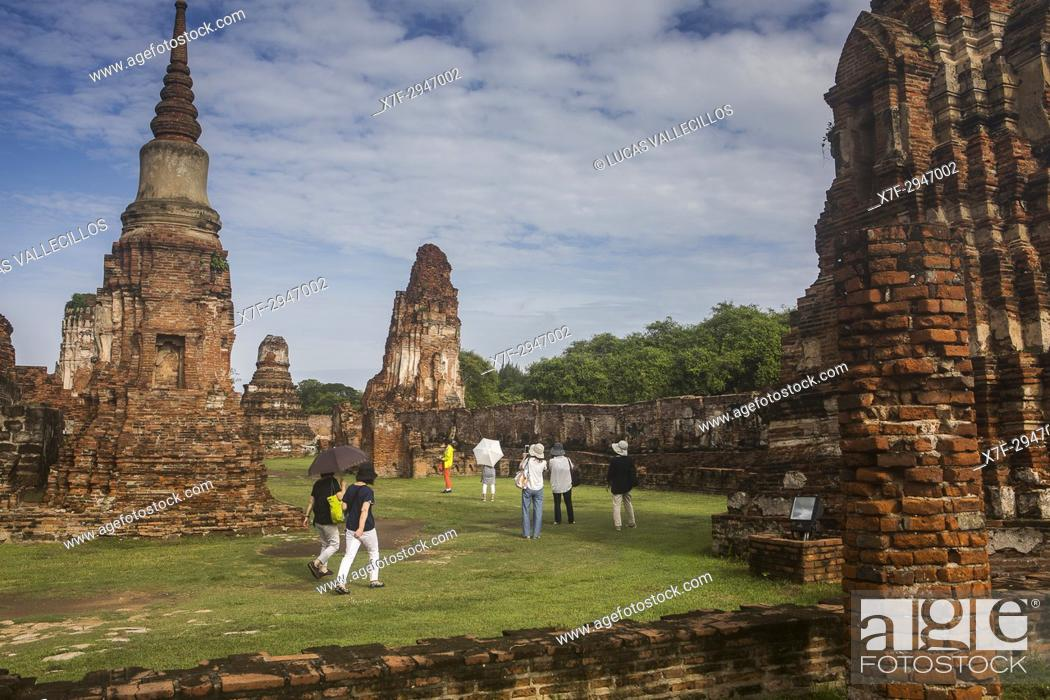 Stock Photo: Wat Mahathat temple, in Ayutthaya, Thailand.