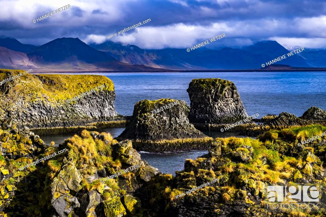 Imagen: Rock formations in the nature of Snaefellsnes peninsula, Iceland.
