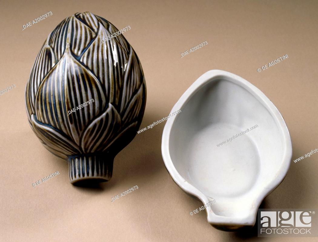 Stock Photo: Box in the shape of an artichoke, 1930, ceramic, Bordeaux manufacture, France, 20th century.