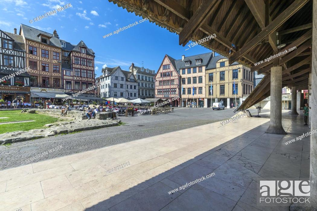 Stock Photo: Place du Vieux Marché, Rouen, Seine-Maritime, Normandie, France, Europe.