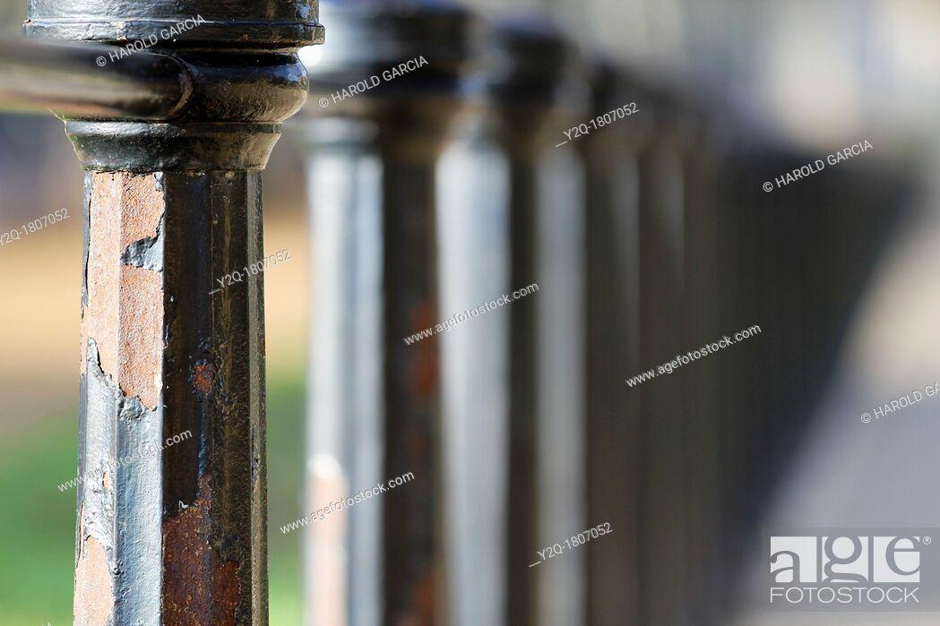 Imagen: Iron fence close up at Green Park, London, England, UK, Europe.