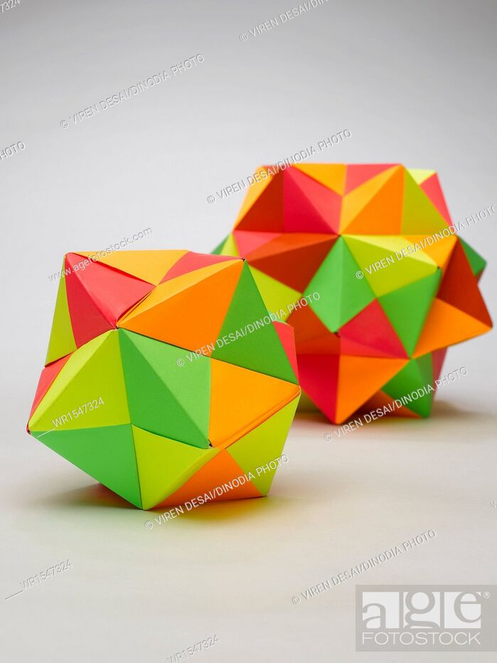 Imagen: Origami multiplex balls India.