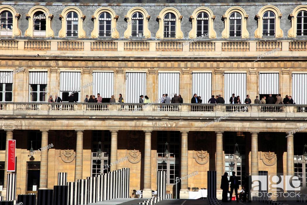 Stock Photo: France, Paris, Palais-Royal, Cour d'honneur, people,.