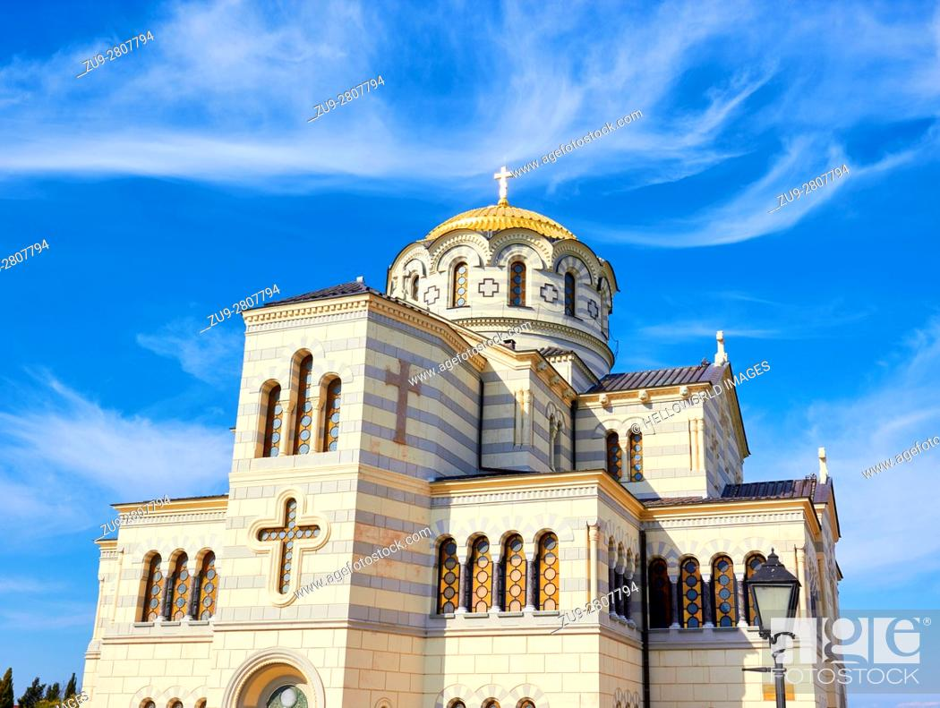 Photo de stock: Saint Vladimir's Cathedral, Chersonesus, Crimean Peninsula. . Neo-Byzantine Russian Orthodox church built in the 1870's on the shores of the Black sea outside.