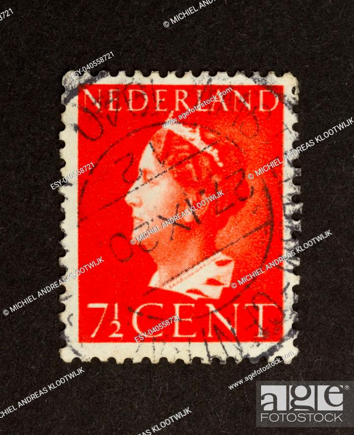 Imagen: HOLLAND - CIRCA 1970: Stamp printed in the Netherlands shows the head of state, circa 1970.