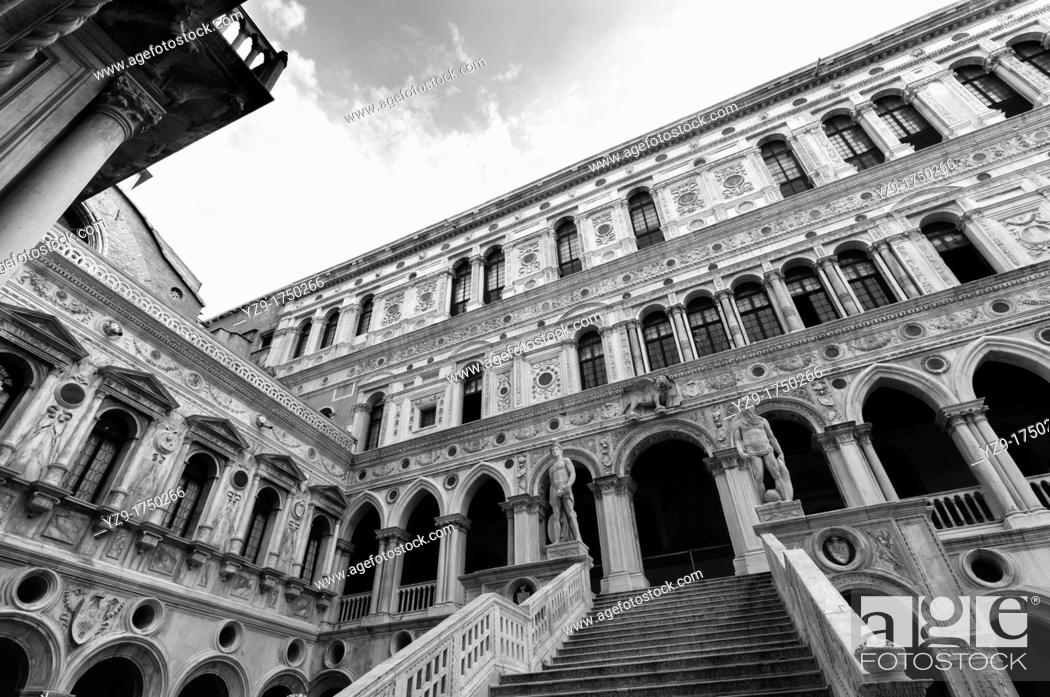 Stock Photo: Giant's Staircase, Doge's Palace, Venice, Italy.