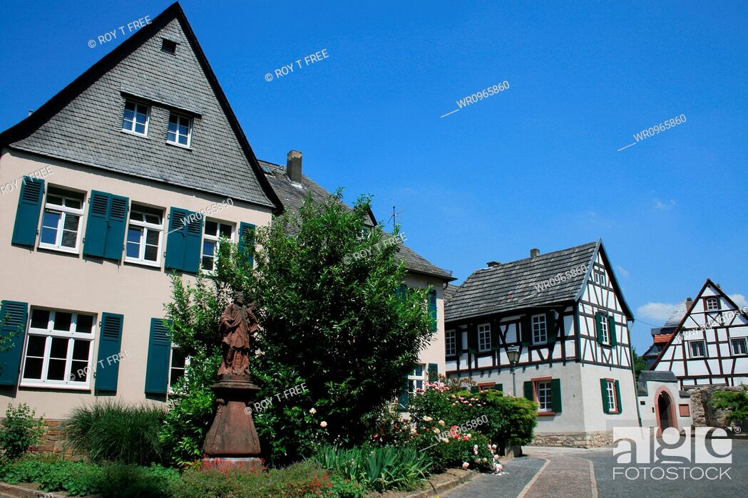 Stock Photo: German, Rhine, Touristic, Eltville, Cultivable, Rheingau, Idyll, Timbered, Rosé, Wine, House, Field, City, Historic, Tourism, Building, Germany, Hesse, Hessen, Place, Sight, Idyllic, Half, Area, District, Hessian, Excursion