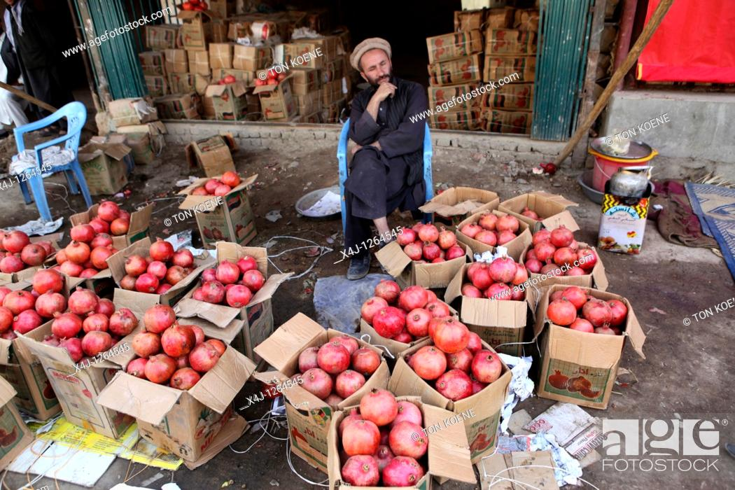 Stock Photo: apples in Afghanistan.