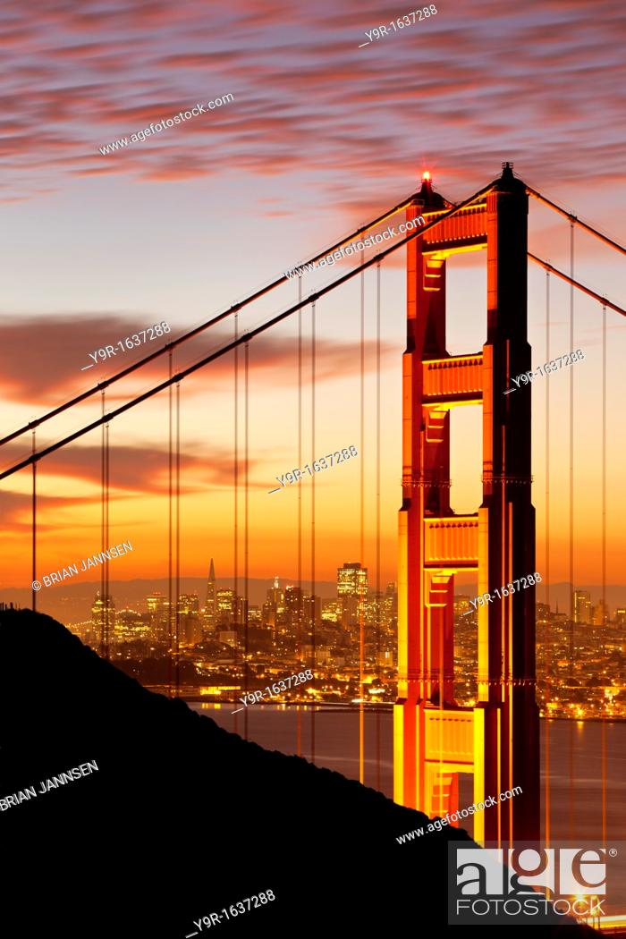 Stock Photo: Just before dawn above the Golden Gate Bridge with San Francisco beyond, California, USA.