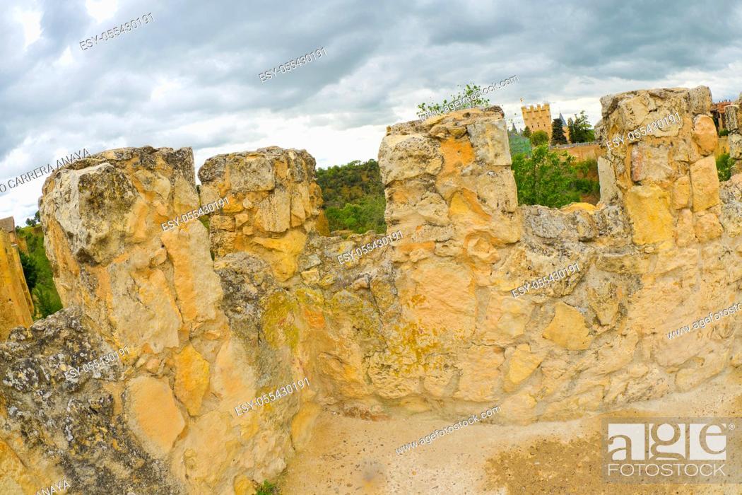 Imagen: Wall of Segovia, Segovia, UNESCO World Heritage Site, Castilla y León, Spain, Europe.