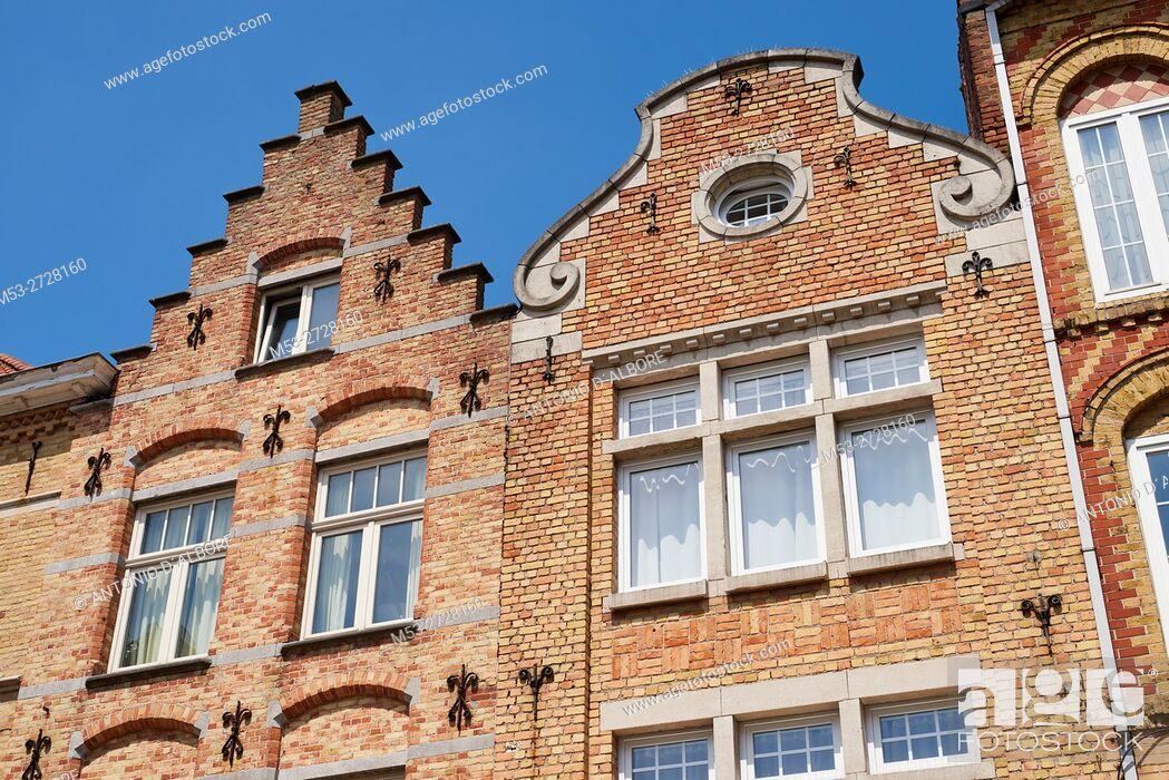Imagen: Flemish style homes. Ypres. West Flanders. Belgium.