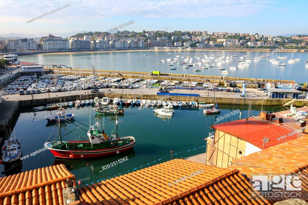 Stock Photo: Port. La Concha Bay. Donostia. San Sebastian. Gipuzkoa. Basque Country. Spain.