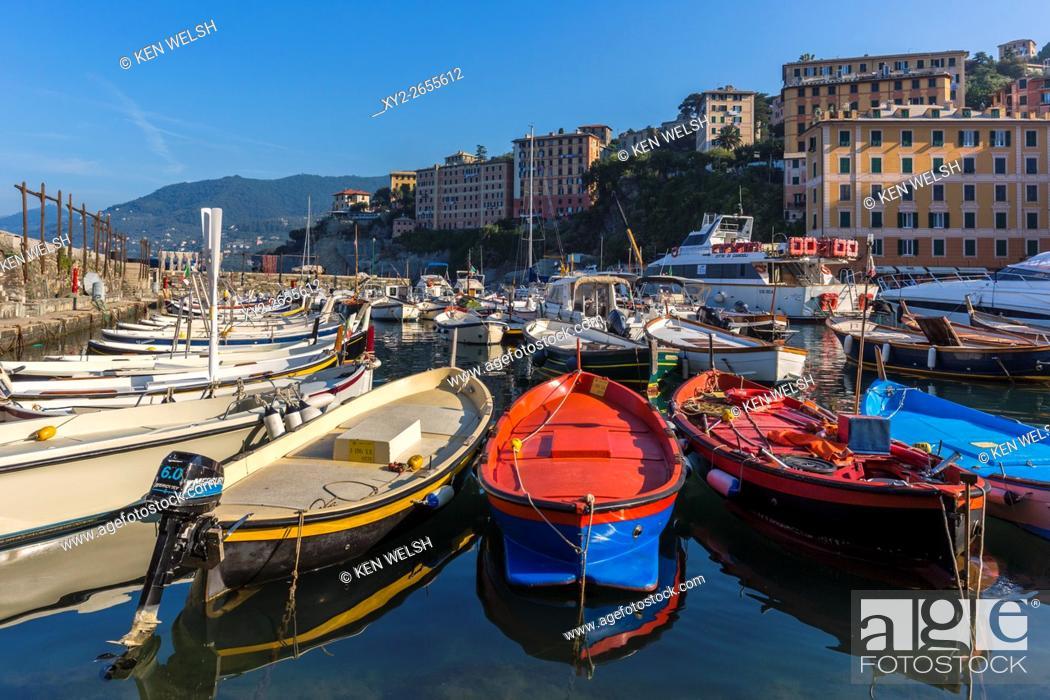 Photo de stock: Camogli, Genoa Province, Liguria, Italy. The fishing harbour.