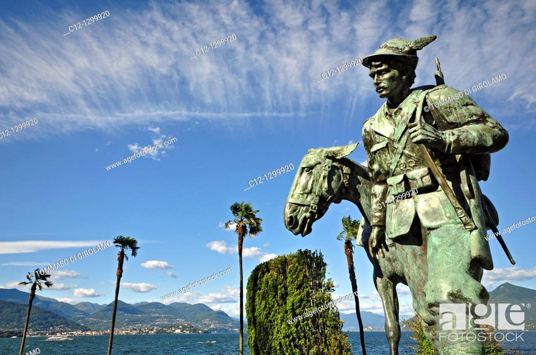 Stock Photo: Stresa, Alpin Monument.