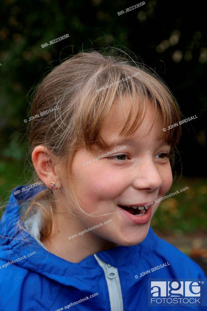 Imagen: Girl smiling.