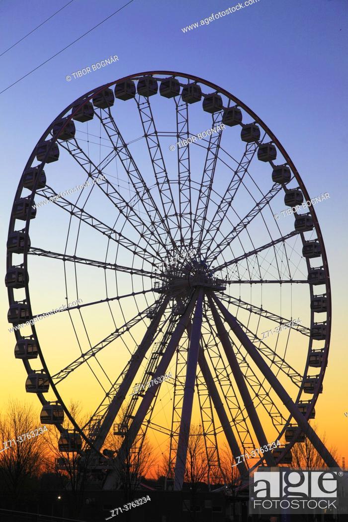 Stock Photo: Canada, Quebec, Montreal, Ferris Wheel, Old Port, .