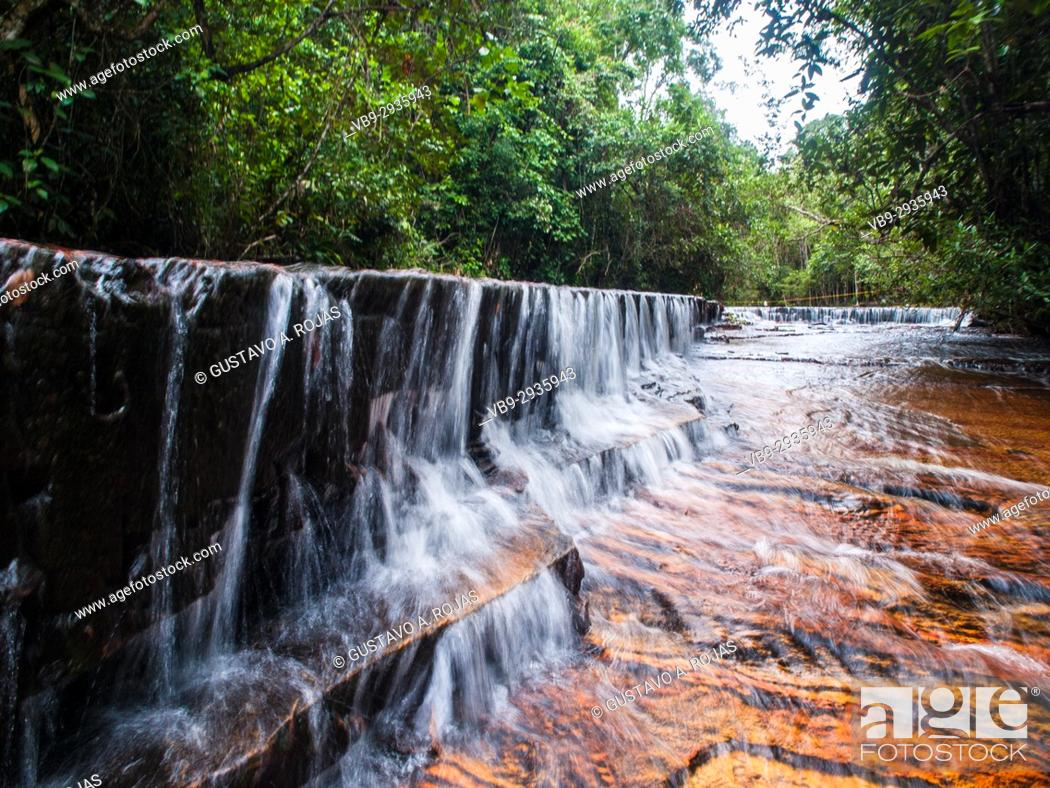 Stock Photo: Quebrada de Jaspe, Bolívar, Gran Sabana, Venezuela, South America River, red Jaspis, water surface, Leaf, drives South America.