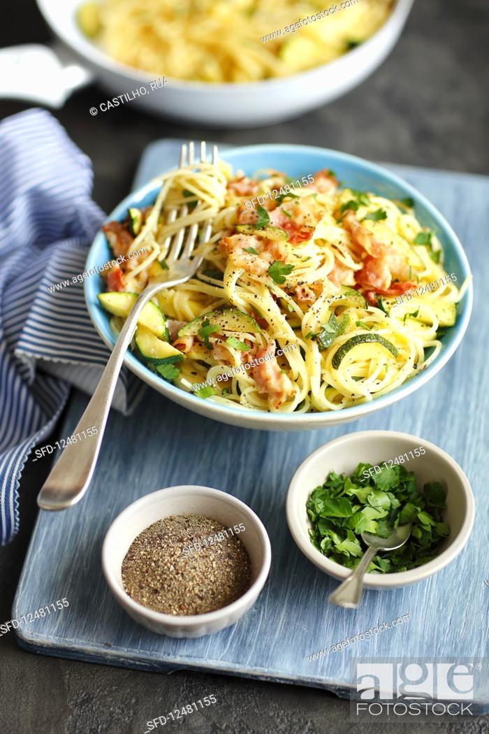 Stock Photo: Spaghetti carbonara with courgette.