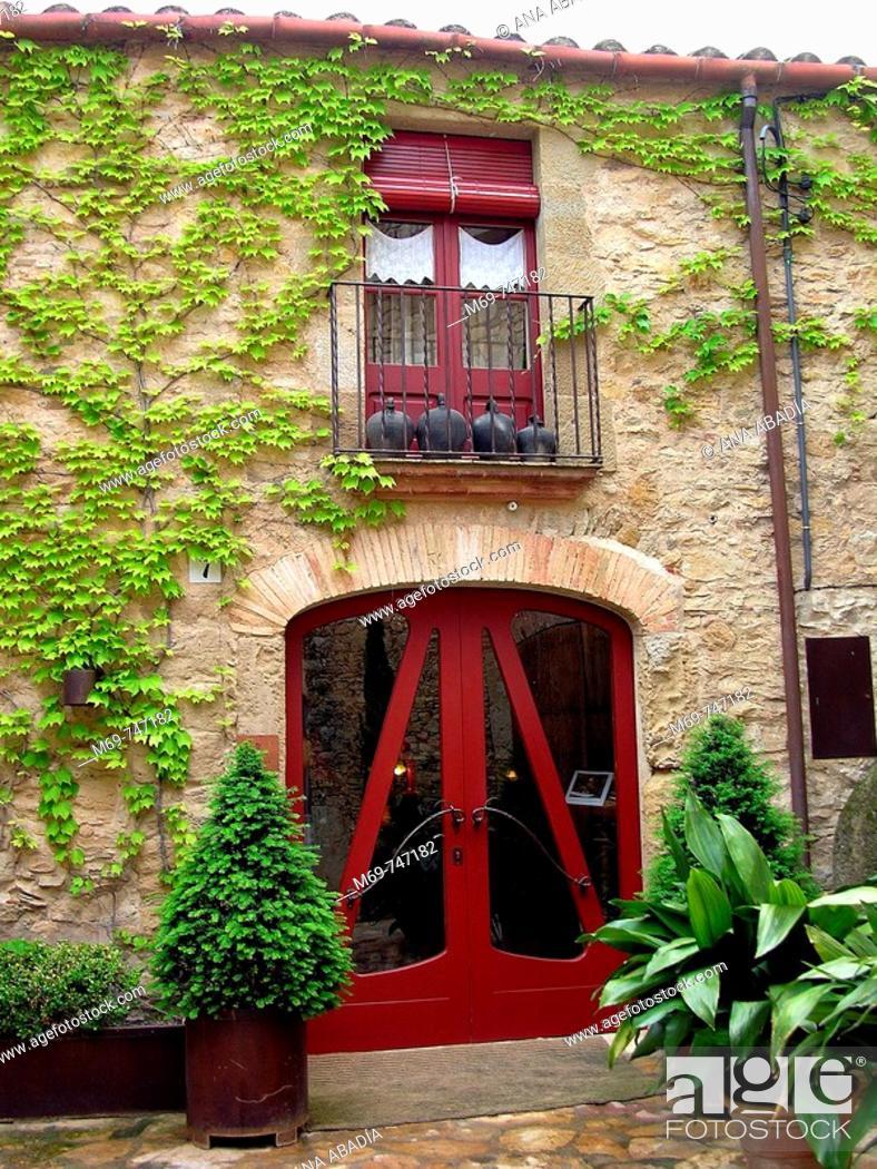 Stock Photo: Peratallada. Baix Emporda, Girona province, Catalonia, Spain.