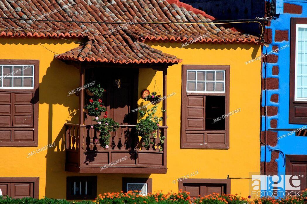 Stock Photo: Spain, Canary islands, La Palma, Tazacorte, flowery balcony.