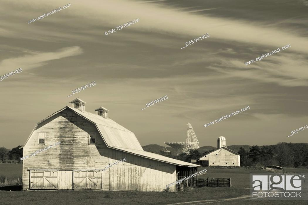 Stock Photo Usa West Virginia Green Bank Barn And National Radio Astronomy