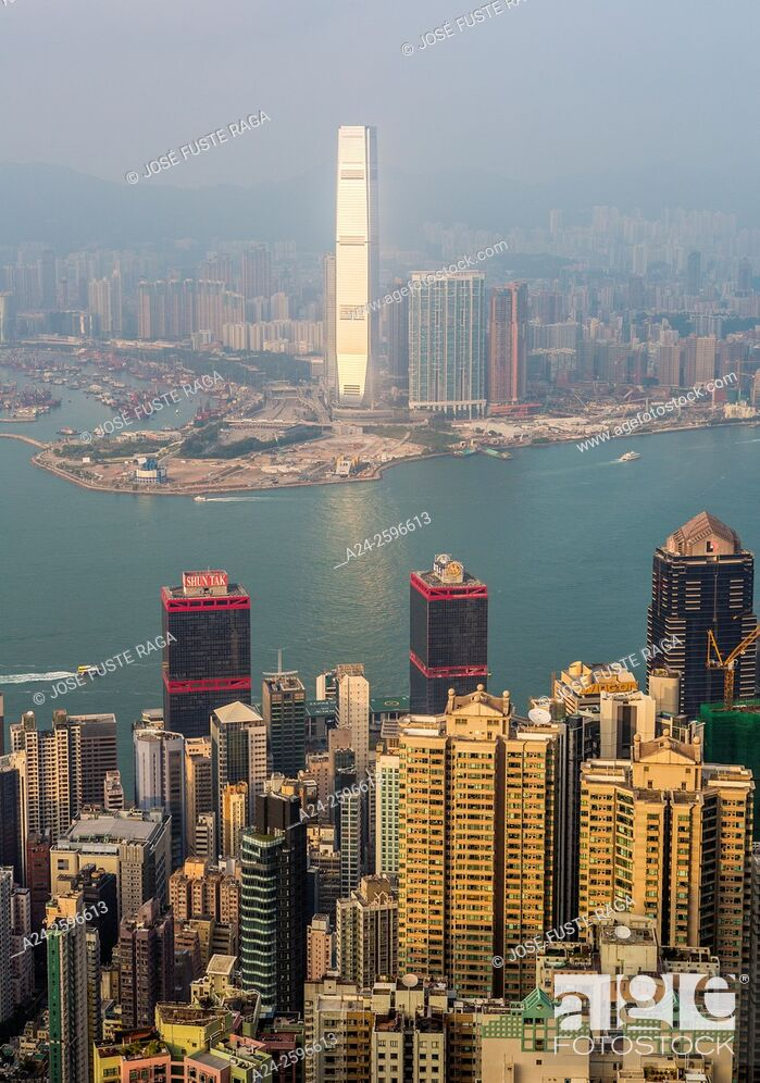 Imagen: Hong Kong City, Victoria Harbour, ICC Tower.