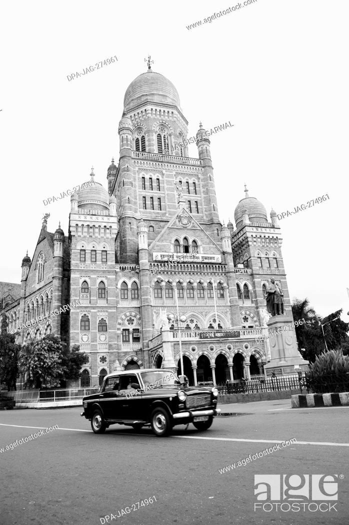 Stock Photo: Fiat car taxi, Bombay Municipal Corporation Building, Mumbai, Maharashtra, India, Asia.