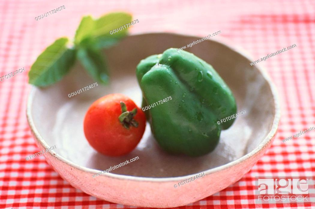 Stock Photo: Tomato And Bell Pepper In Bowl.