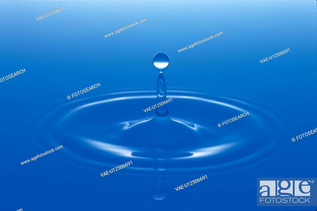Stock Photo: waterdrop, nature, water, natural phenomenon.