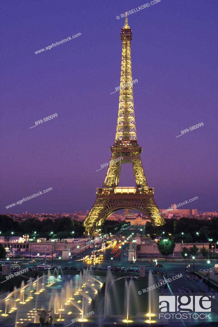 Stock Photo: Fountains, Trocadero, Eiffel Tower, Paris, France.