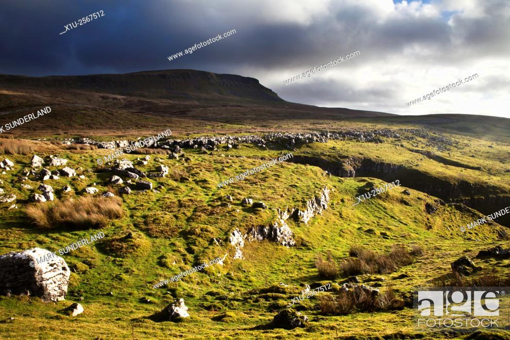 Stock Photo: Pen Y Ghent from Horton Scar Lane Horton in Ribblesdale North Yorkshire England.