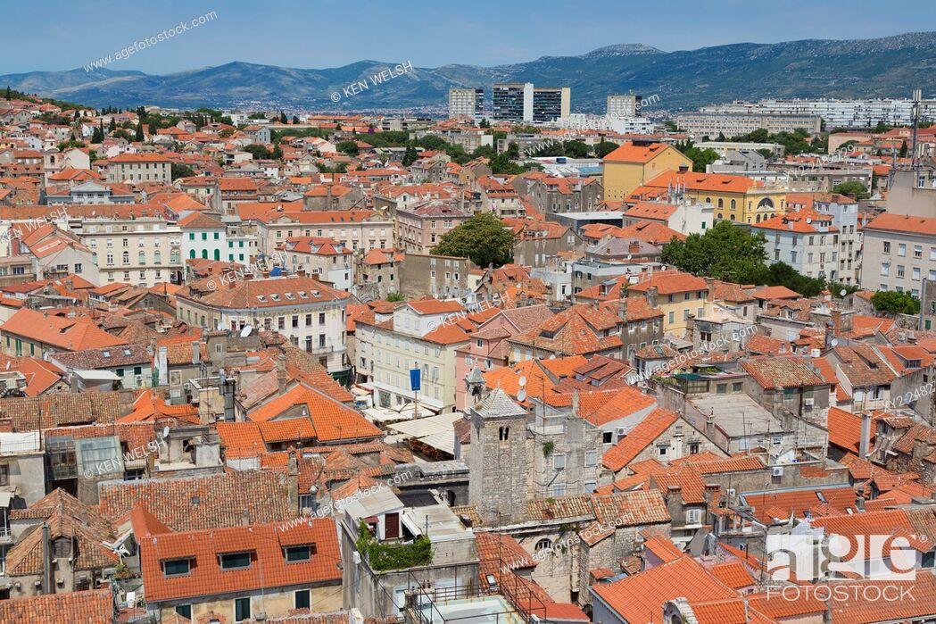 Photo de stock: Split, Dalmatian Coast, Croatia. High overall rooftop view. The Historic Centre of Split is a UNESCO World Heritage Site.