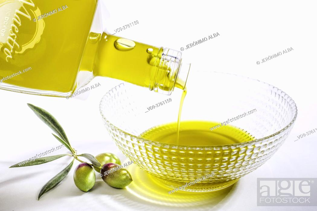 Imagen: Extra virgin olive oil. Andalusia, Southern Spain Europe.