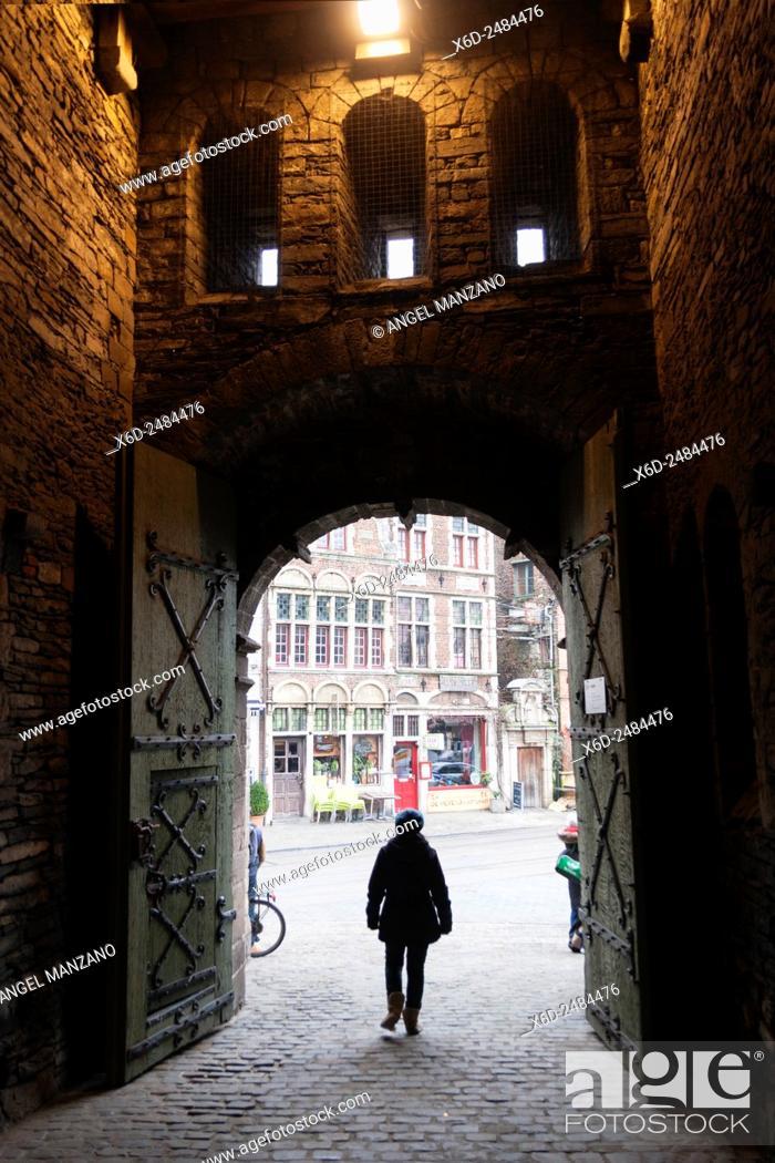 """Stock Photo: Het Gravensteen, """"""""Castle of the Counts"""""""", seat of the counts of Flanders overlooks the city centre of Gent, Belgium."""