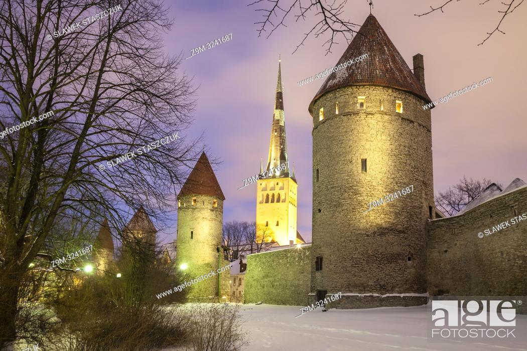 Stock Photo: Winter evening at Tallinn city walls, Estonia.
