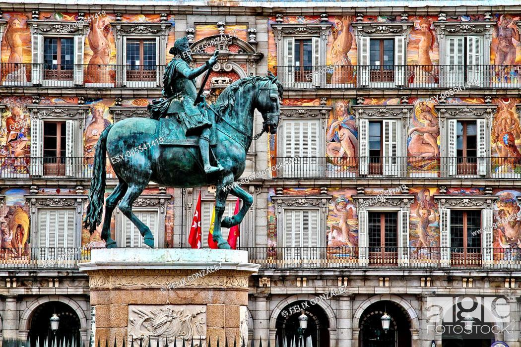 Stock Photo: Equestrian statue, monument to king Philip III, Plaza Mayor, Madrid, Spain.