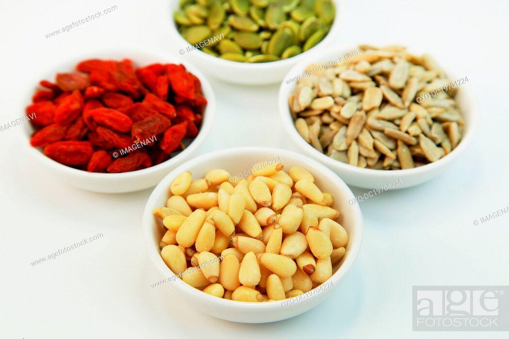 Imagen: Pine nuts.