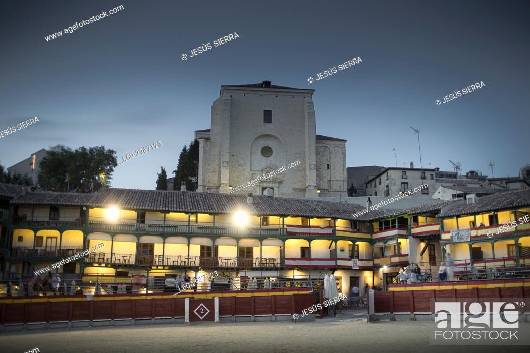 Stock Photo: Main square of Chinchón, Festival with bullring in the town square. Comunidad de Madrid, Spain.