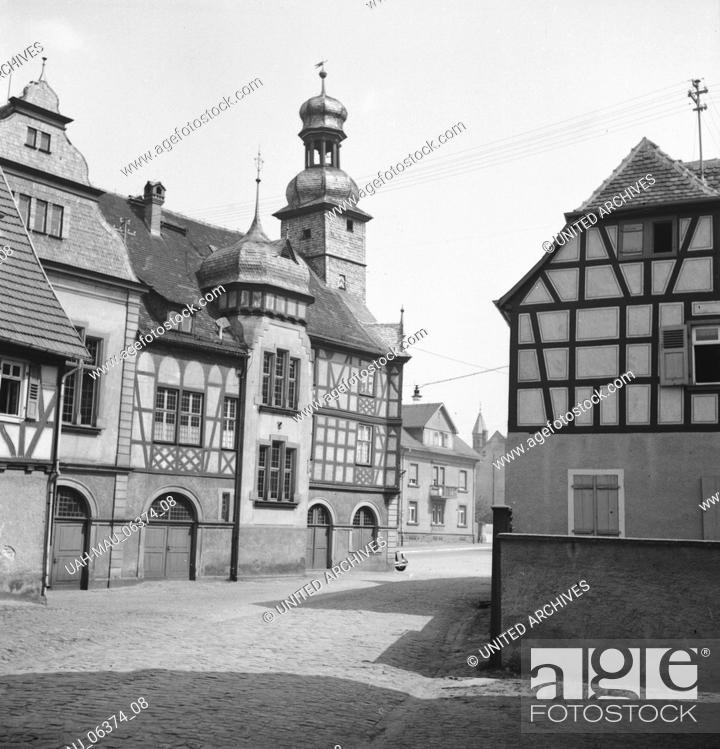 Stock Photo: Das Alte Rathaus von Lorsch an der Bergtraße, Deutsches Reich 1930er Jahre. The old town hall of Lorsch at Berstraße, Germany 1930s.