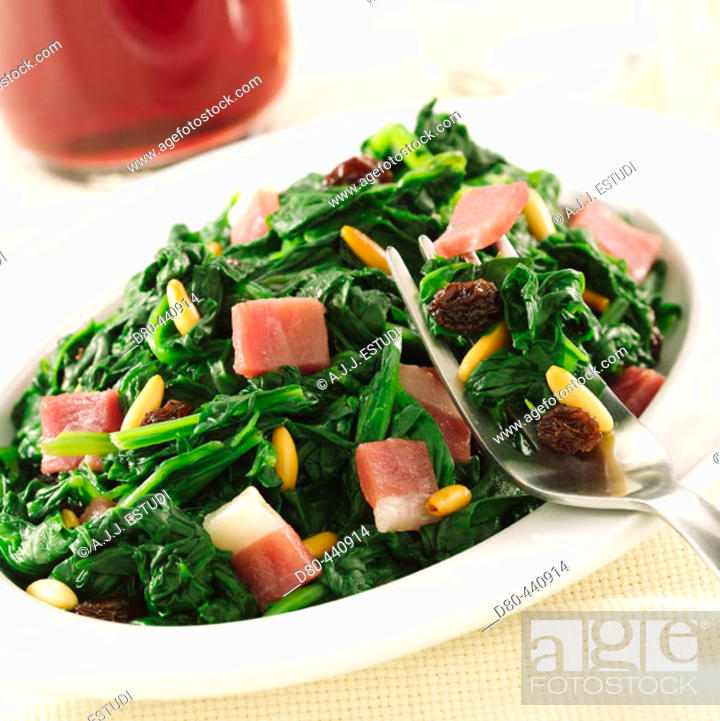 Stock Photo: 'Espinacas a la catalana' (spinach).