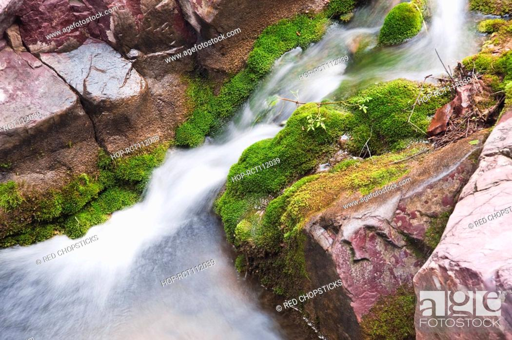 Stock Photo: High angle view of a stream flowing through rocks, Mt Yuntai, Jiaozuo, Henan Province, China.