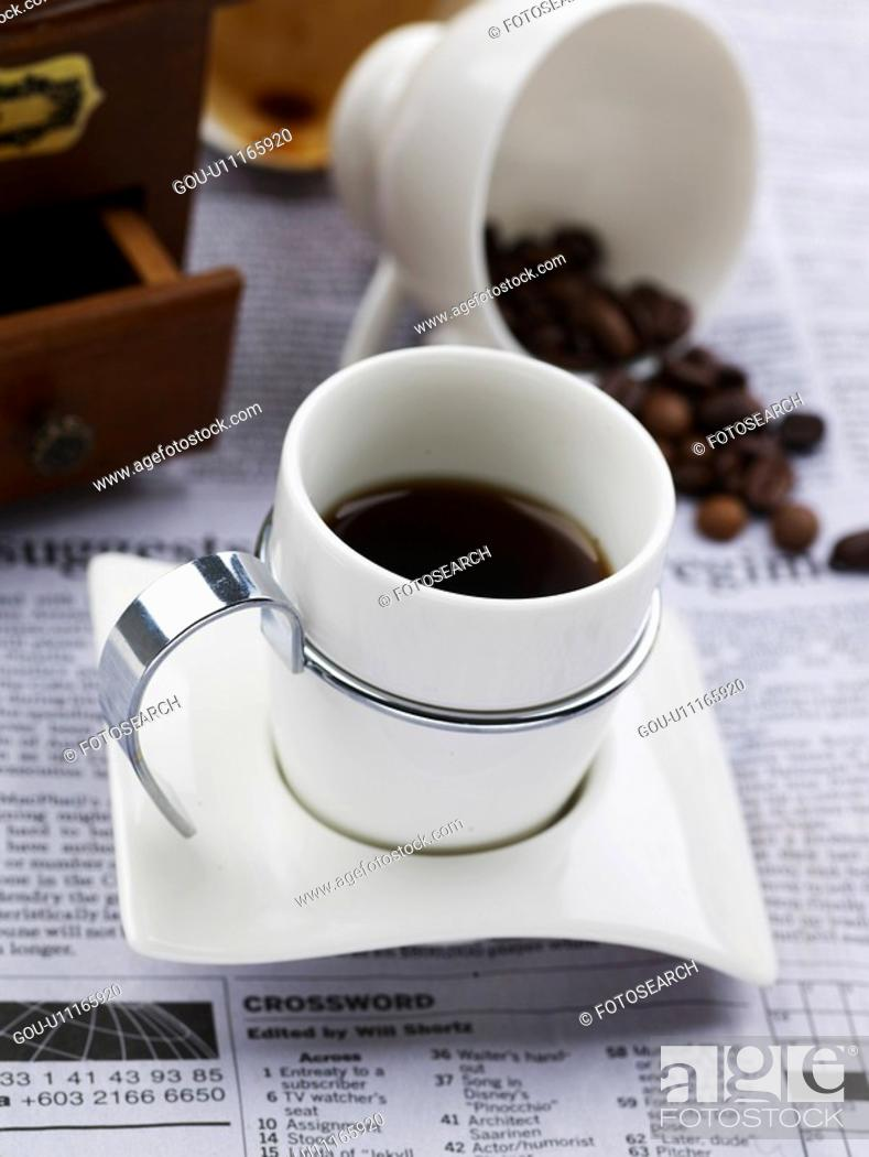 Photo de stock: food styling, saucer, coffee bean, newspaper, coffee grinder, decoration, coffee cup.