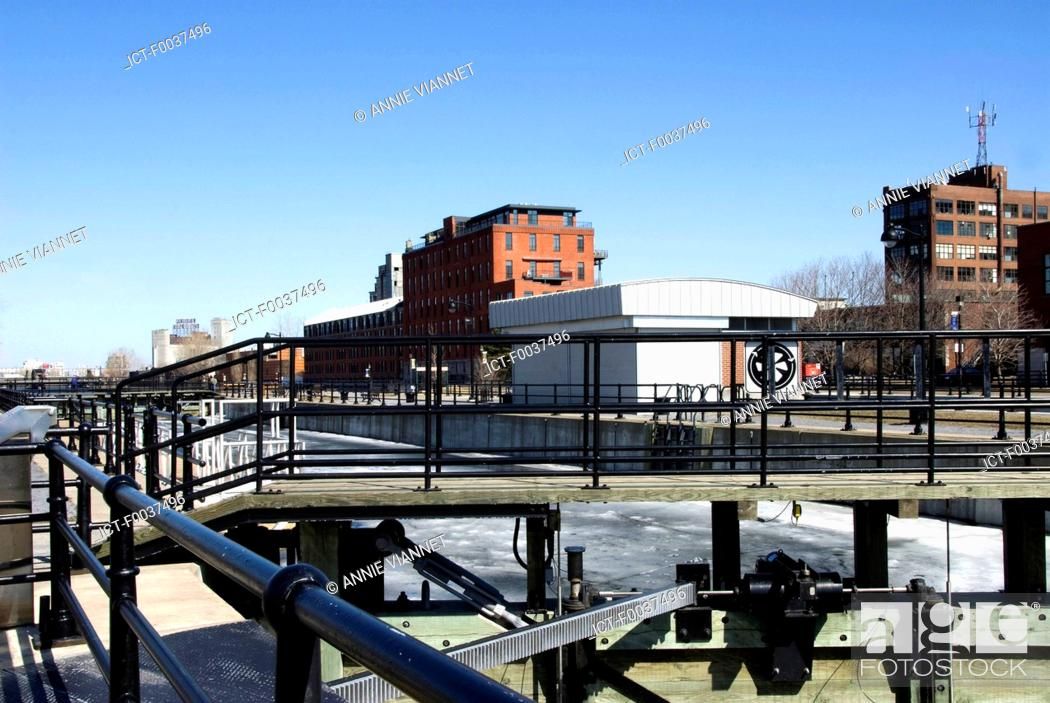 Stock Photo: Canada, Quebec, Montreal, Lachine canal, Peel, tide gate.