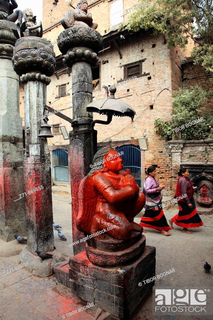 Stock Photo: Nepal, Kathmandu Valley, Bhaktapur, hindu shrine, Garuda statue.