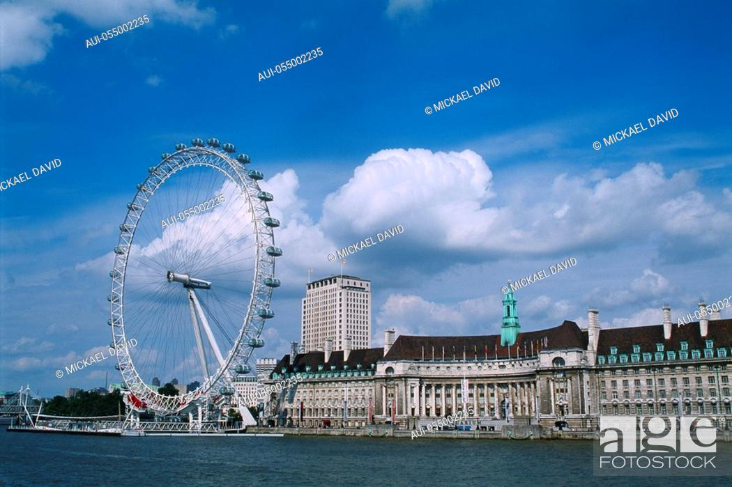 Stock Photo: England - London - South Bank district and Millennium Wheel.