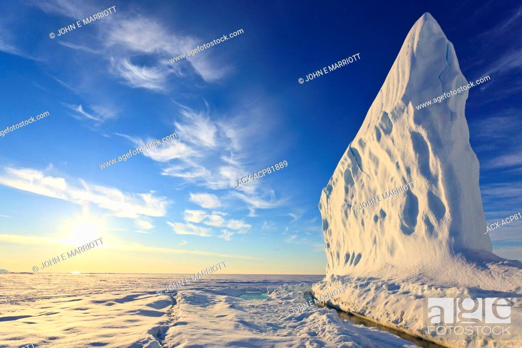 Imagen: Iceberg in Baffin Bay on the Arctic Ocean, north of Baffin Island, Nunavut, Canada in the Canadian Arctic.