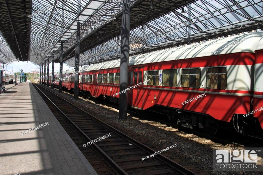 Stock Photo: Rail, Speed, Red, Commuting, Commuter, Locomotive.