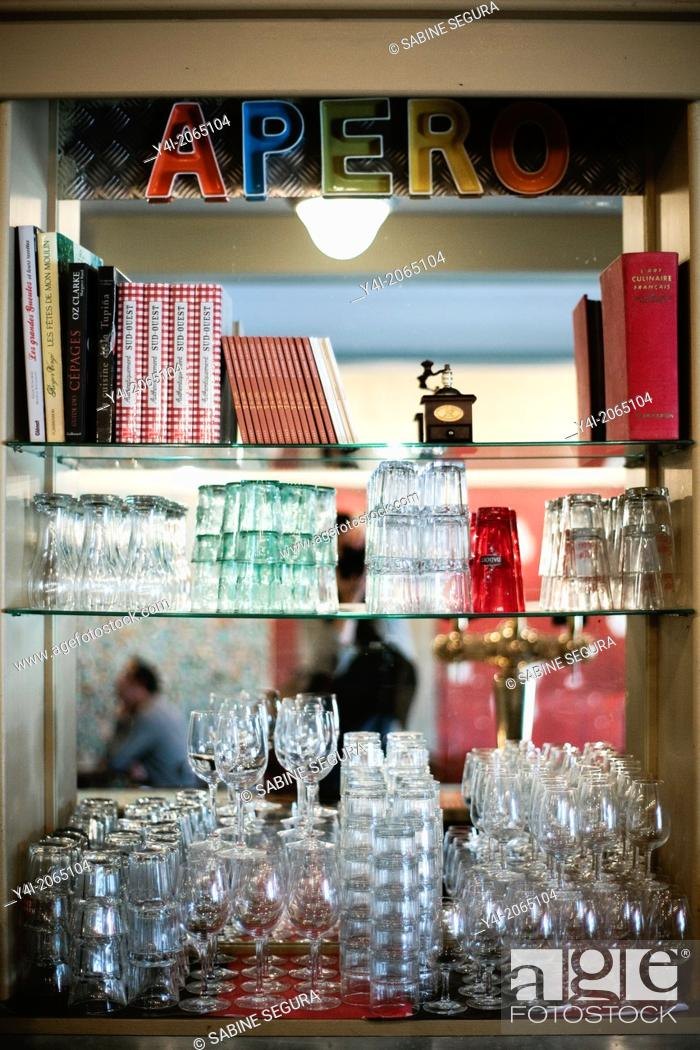 Stock Photo: Cafe Tupina. French cafe in Bordeaux. Bordeaux. Gironde. Aquitaine. France. Europe.